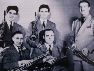 Image of Bunny Berigan with Georgie Auld, Clyde Rounds, Joe Dixon and Mike Doty.